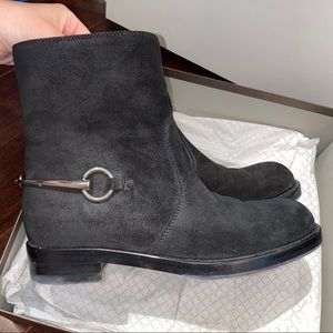 Authentic Gucci Labrador boots